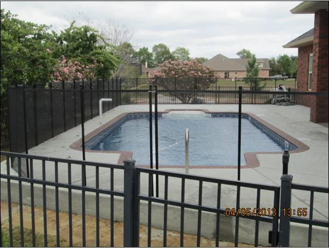 Fence can be placed in between columns or inside the yard fence.